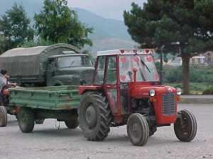 Tractor habitual en Kosovo